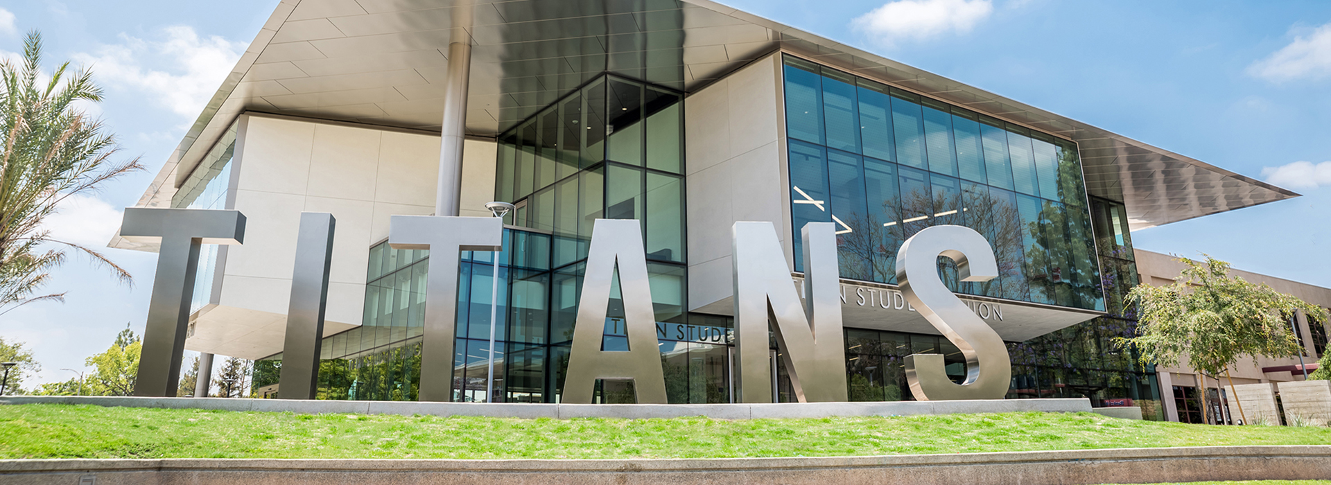 the different amenities titan student union building has to offer At the beginning of the twenty-first century, many colleges and universities have a broad educational mission: to develop the whole student on college campuses, extracurricular involvement is a key tool in this personal development.